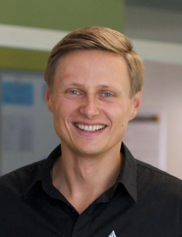 Dr. Thomas Winklehner